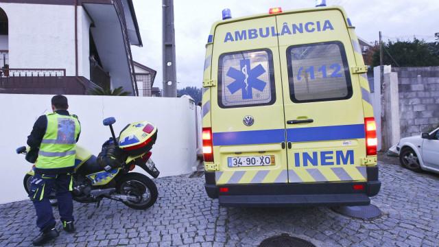 Passeio abate em Sintra e faz um ferido. Buraco tem quatro metros
