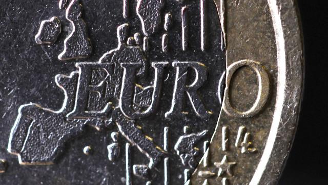 Poupança com juros na zona euro é de quase um bilião de euros desde 2008