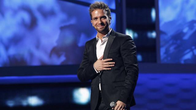 Pablo Alborán também se rendeu a Salvador e cantou 'Amar Pelos Dois'
