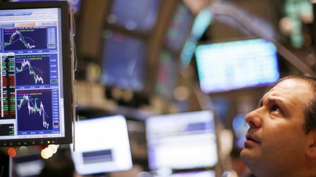 Wall Street sobe com impulso de empresas de saúde e tecnológicas