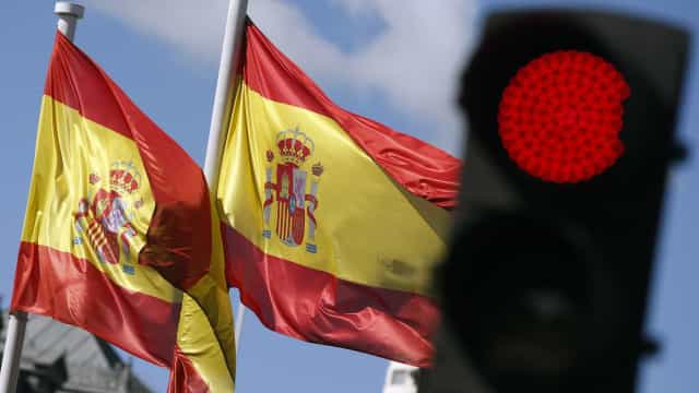 Homem detido quando levava filho de Portugal sem autorização da mãe