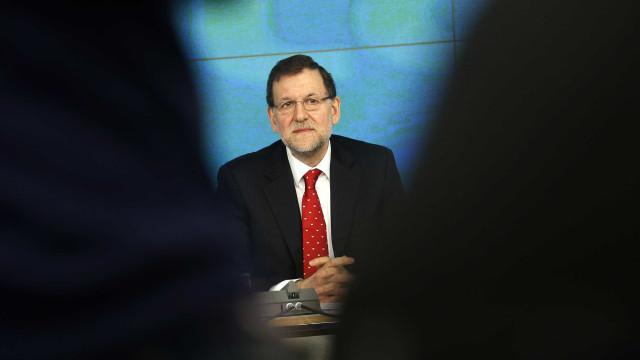 Sondagem indica que 85% dos espanhóis quer demissão de Rajoy