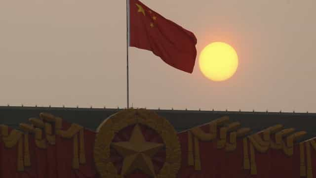 Desemprego urbano na China fixa-se em 5,1% em julho