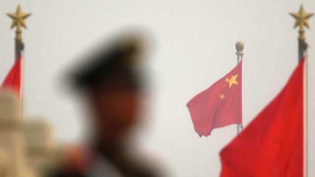 China mobiliza 60 mil militares... para plantar árvores