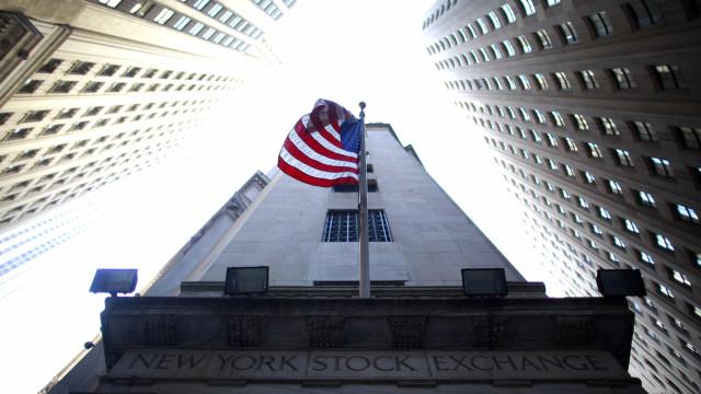 Bolsa de Nova Iorque em alta ligeira após dados sobre criação de emprego
