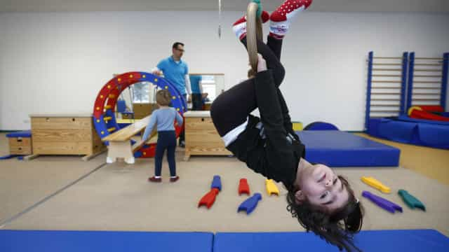 Parlamento aprova reforço da carga horária da educação física