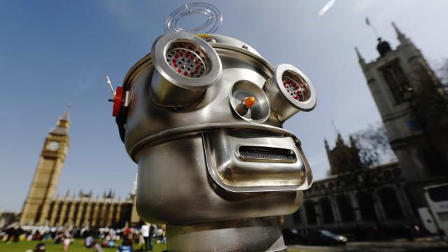 Foram criados robots que se agrupam para concretizar tarefas