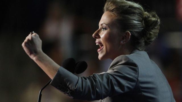 Scarlett Johansson quer que James Franco devolva pregadeira do Time's Up