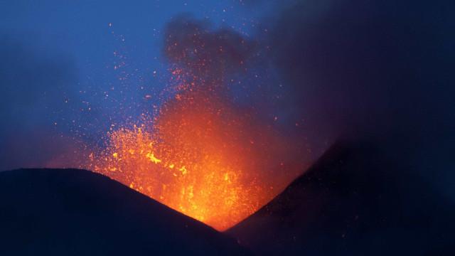 Nova erupção de vulcão no Alasca