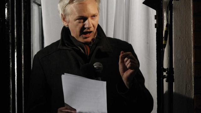 """Há """"garantias suficientes"""" para saída de Assange de embaixada do Equador"""