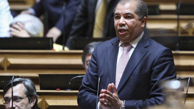 """CDS pede explicações """"urgentes"""" do ministro sobre reversão da TAP"""