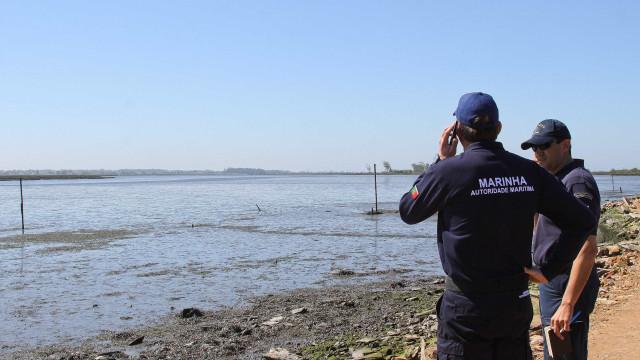Marinha abre processos a militares por queda de caixa de munições