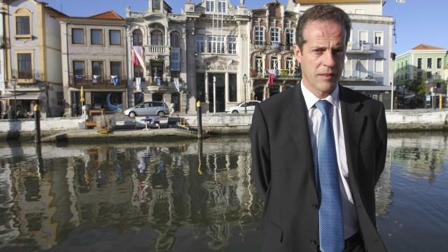 """PS: Presidente da Câmara de Aveiro parece o """"Tio Patinhas"""""""