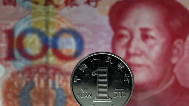 Regulador multa 12 bancos chineses em caso de fraude