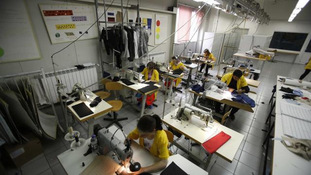 Atividade industrial da China abranda em dezembro