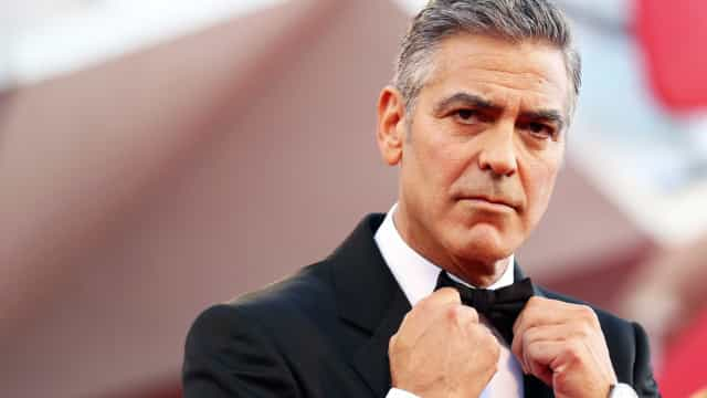 George Clooney fotografado pela primeira vez após acidente de mota