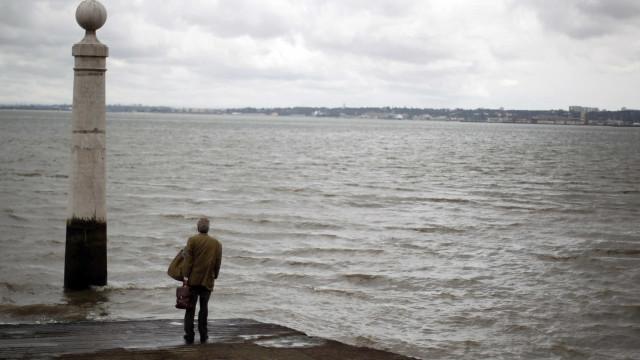 """Movimento fala em """"incompetência"""" na recolha de amostras no rio Tejo"""