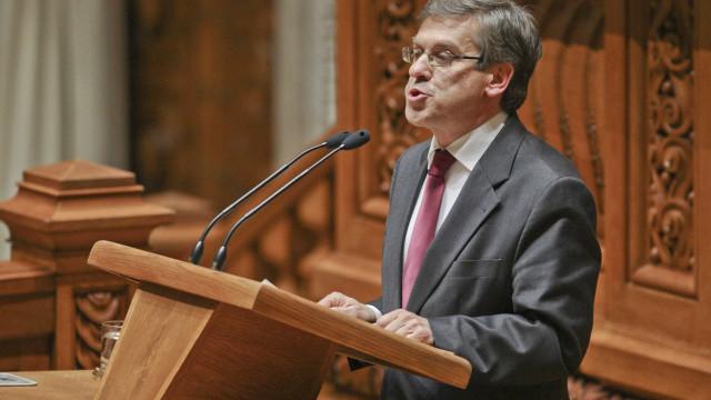 Jorge Lacão defende alterações à lei que regula a requisição civil