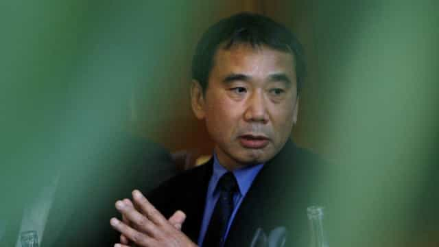 Haruki Murakami projeta arquivo em universidade do Japão
