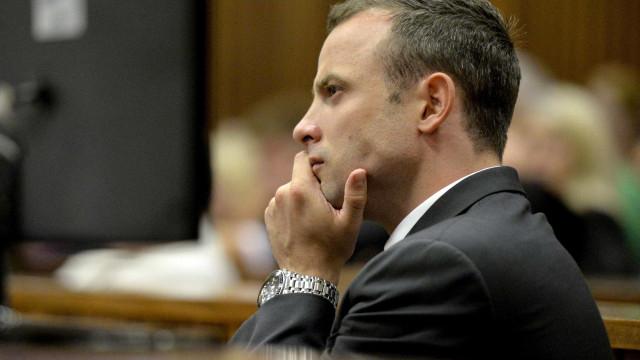 Oscar Pistorius ferido após rixa na prisão