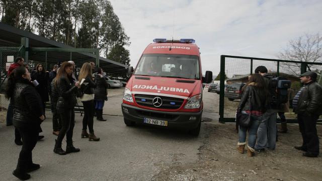 Veículos de transporte de doentes não urgentes devem ficar isentos de IUC