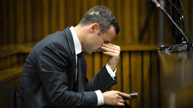 Sentença de Oscar Pistorius agravada para 13 anos de prisão