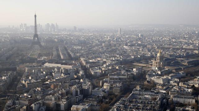 Homem viola turista japonesa a quem arrendou quarto em Paris