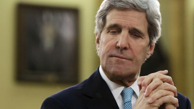 """John Kerry considera """"uma vergonha"""" retirada do acordo de Paris"""
