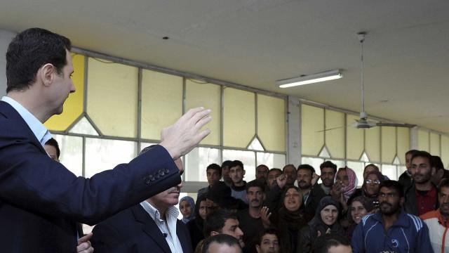 """Bashar al-Assad critica """"escalada das agressões"""" contra o país"""