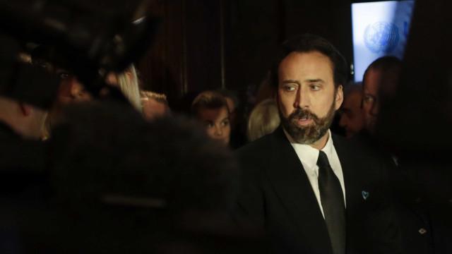Em Portugal, Nicolas Cage e Elijah Wood não passam despercebidos