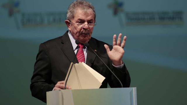 Lula da Silva condenado a nove anos e meio de prisão
