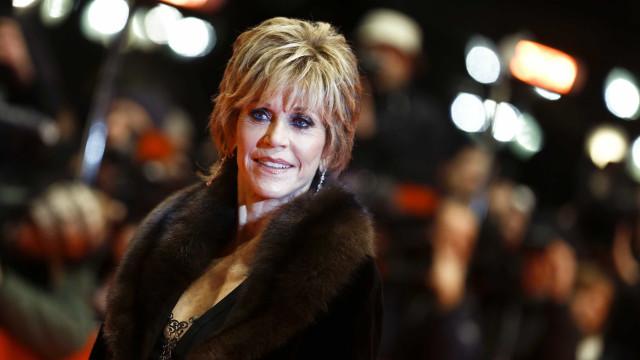 """Fonda diz que casos de assédio tiveram força porque são """"famosas brancas"""""""