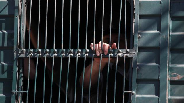 Francês que arrisca pena de morte capturado após fuga de prisão