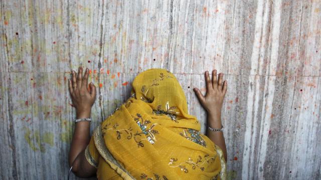 Índia: Rapaz de 19 anos mata pai por ter violado a irmã