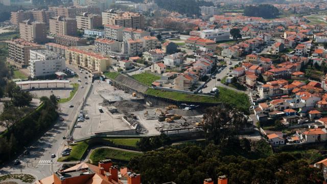 Porto invadido por cacifos para preencher lacuna no alojamento local