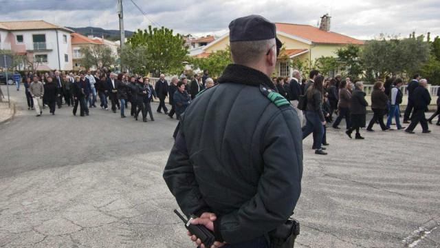 """Pinhal Novo: Autoridades relatam """"muita violência"""" no homicídio de idosa"""