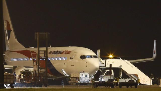 Investigadores de queda do MH17 pedem informação sobre foto de 'rocket'