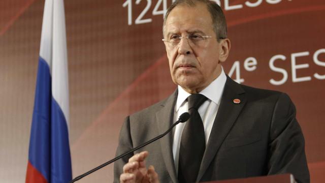 """Lavrov critica """"luta de crianças"""" entre EUA e Coreia do Norte"""