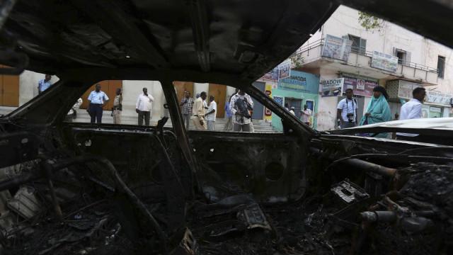 Pelo menos cinco mortos em atentado na Somália
