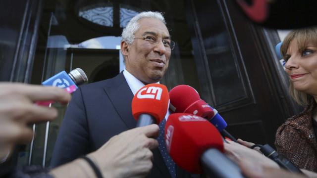 """António Costa decreta que país está """"em guerra contra os incêndios"""""""