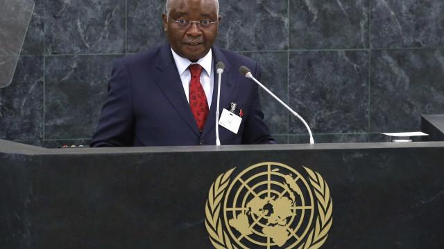 """Moçambique atravessa problemas, sem pôr em causa """"grandeza da nação"""""""
