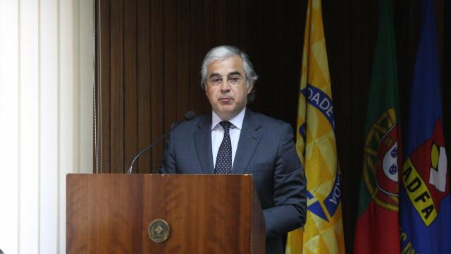 """Ex-ministro renuncia ao cargo de deputado do PSD. Não quer """"lugarzinhos"""""""
