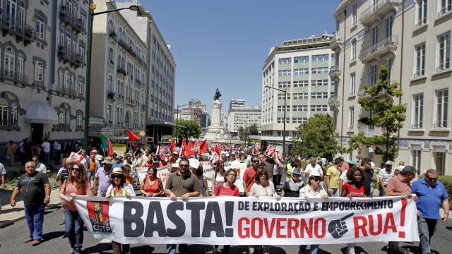 Governo e sindicatos voltam a reunir-se para debater precários do Estado