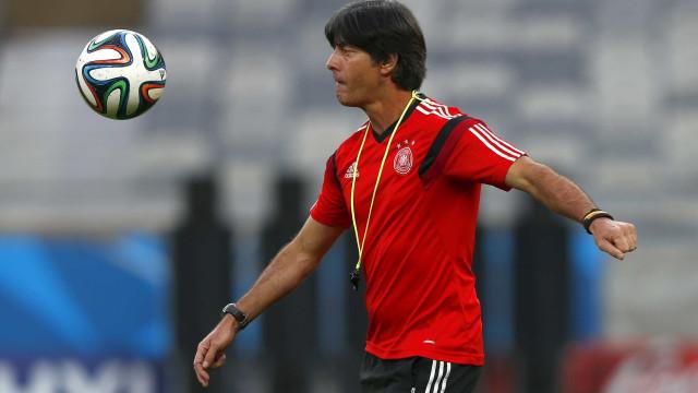 Joachim Low escolheu entre Ronaldo e Messi