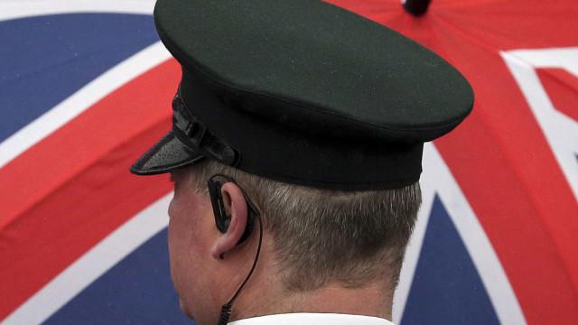 Dois adolescentes acusados de morte de rapariga de 14 anos no Reino Unido