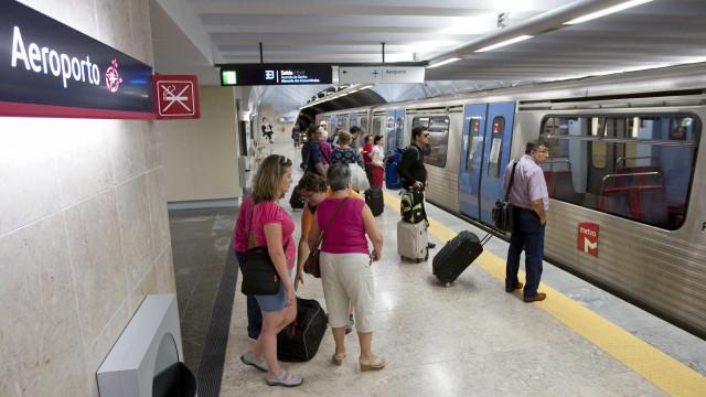 Mala suspeita interrompe circulação na estação de metro do Aeroporto