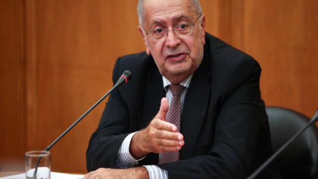 Jaime Gama numa ação do PS pela primeira vez desde a formação do Governo