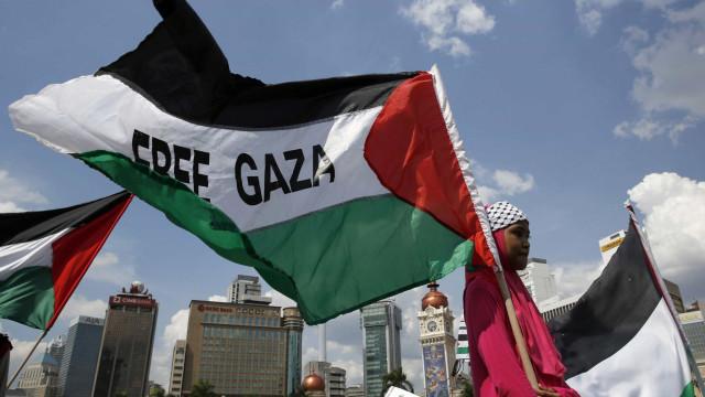 Tribunal militar condena seis à pena de morte por colaborarem com Israel