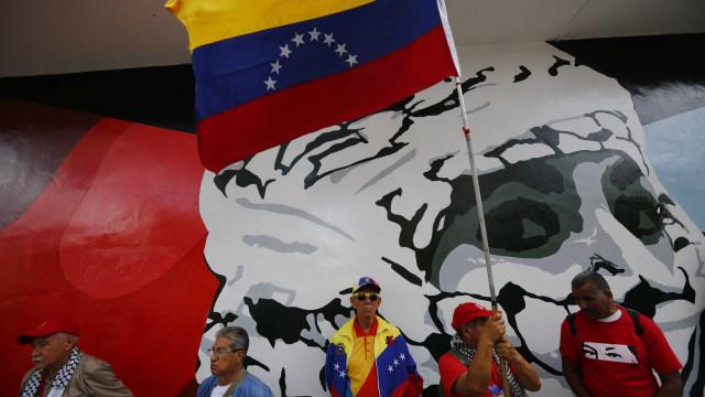 """Lisboa transmite a Caracas """"grande preocupação"""" com portugueses detidos"""
