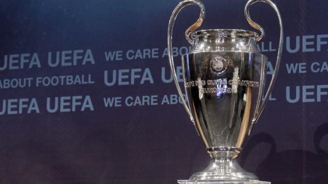 Sporting contra Steaua no playoff de acesso à Liga dos Campeões